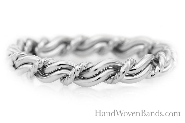 317C Cord of three wedding ring made in all platinum. God strand is rope with no outer bands